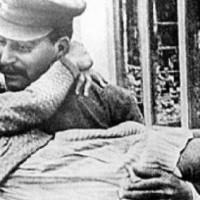 Ο Ζεράρ Ντεπαρντιέ θα υποδυθεί τον Στάλιν, με σκηνοθέτιδα τη Φανί Αρντάν – ΦΩΤΟ